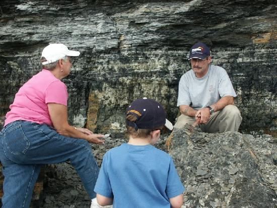 Sydney Mines Heritage Museum and Fossil Centre : Dr. Stuart Critchley On A Fieldtrip With Tourists
