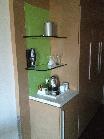Crowne Plaza Tel Aviv City Center: Tea Coffee making facilities