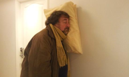 Hotel Italiano: Preparándome para dormir en el pasillo.