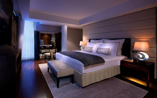 Presidential Suite Bed Room at Jumeirah Frankfurt