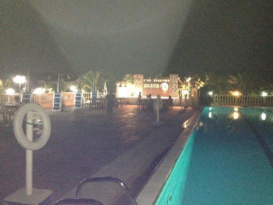 Pellegrino Palace Hotel: piscina animazione