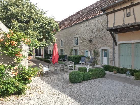 La Dominotte : Courtyard