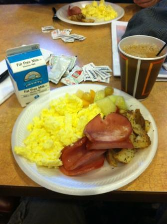 Country Inn & Suites By Carlson, Cartersville: example of breakfast