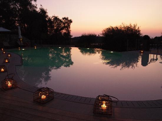 Torri e Merli Hotel : Pool Sunset View