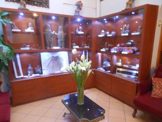 """Pacha Hotel Museo: estar...lo que el hotel dice en llamar """"pequeño museo"""""""