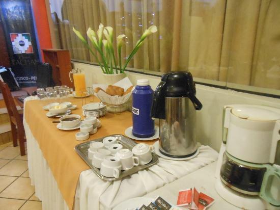 Pacha Hotel Museo: Vista de lo que ofrece el desayuno