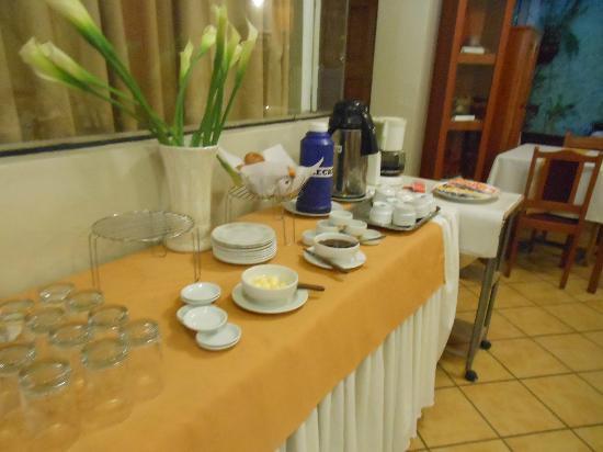 Pacha Hotel Museo: Desayuno: poco y escaso