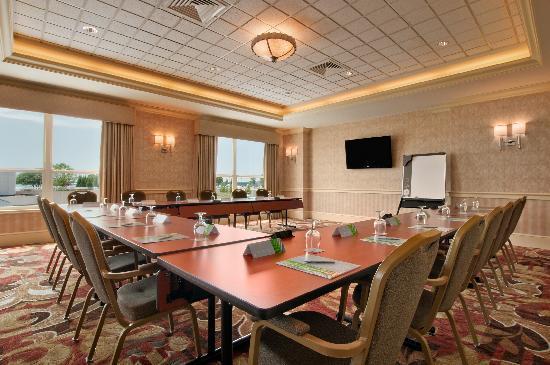 Hilton Madison Monona Terrace: LaFolette Meeting Room