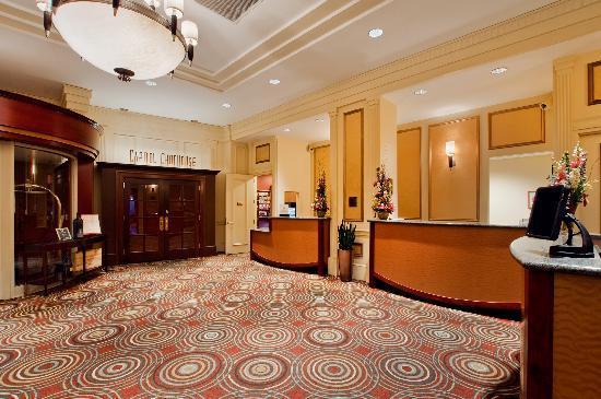 Hilton Madison Monona Terrace: Lobby