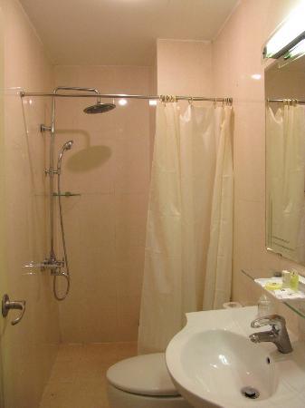 Saigon Mini Hotel 5: Nice hot rain shower