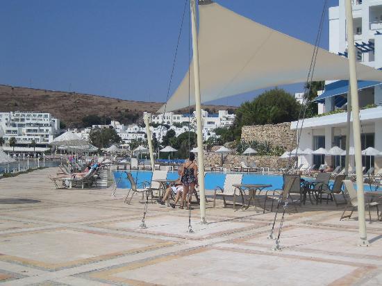 Hotel Mavi Kumsal: Mavi Hotel - piscina