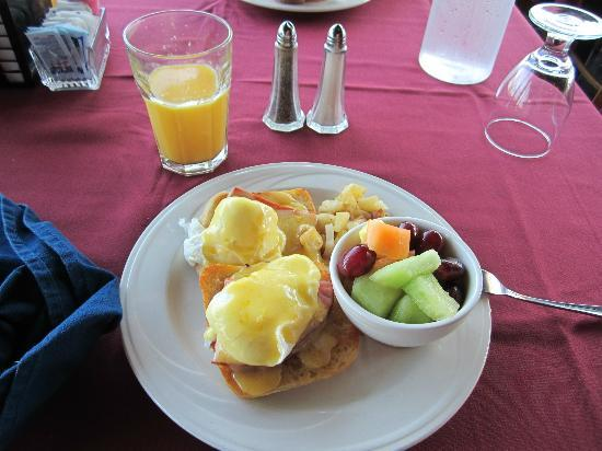Maumee Bay Lodge and Conference Center: Breakfast.