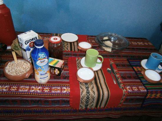 The Blue House Cusco: petit dej dans la petite salle à manger