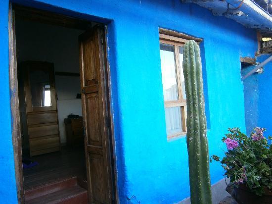 The Blue House Cusco: Entrés d`une chambre