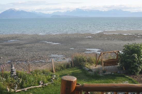 Homer Inn & Spa: View from deck of Glacier Suite