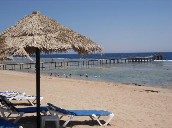 Tirana Aqua Park Resort : le ponton de la plage