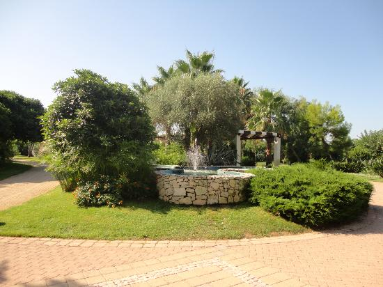 Blu Salento Village: interno giardino