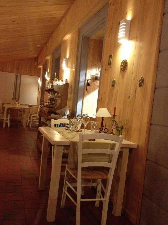 Le Saut de la Truite : Salle du restaurant