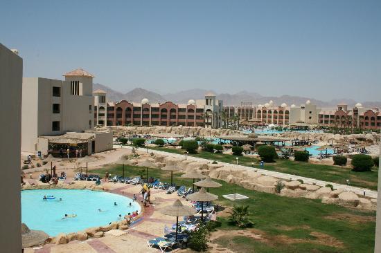 Tirana Aqua Park Resort : vu du bar