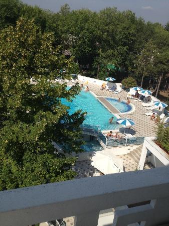 Hotel Firenze: Aussicht zum Pool vom 4. Stock
