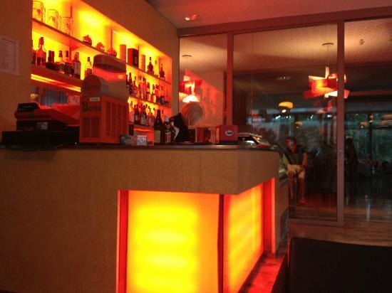 Hotel Firenze: Hotel Bar; im Hintergrund Speisesaal