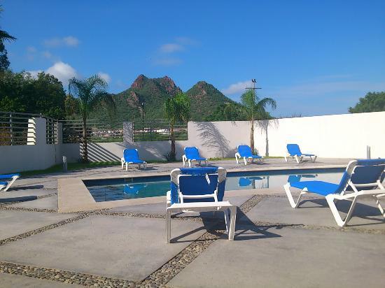Holiday Inn Express Guaymas: Alberca