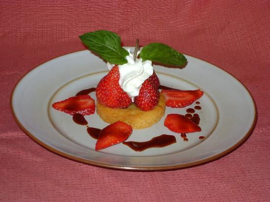 17) Assiette de l'hostellerie de Saint Front