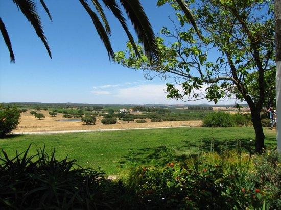 Herdade Outeiro de Esquila: panaromic views - both homes