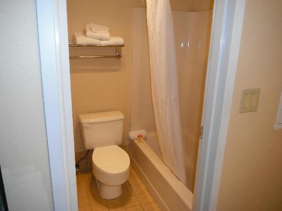 Magnuson Hotel Fishkill : Salle de bain