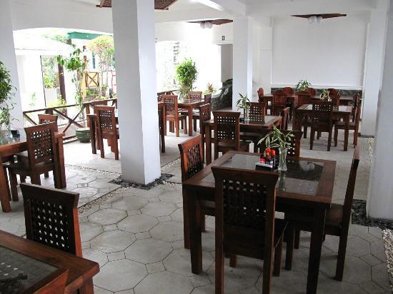 Angelyn's Dive Resort: very nice restaurant