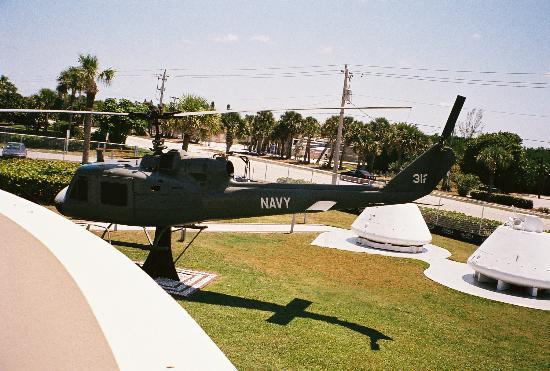 Navy Seal Museum: Navy Helicopter on the grounds of the UDT/Seal Museum