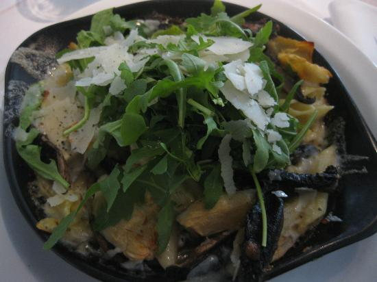 Croma: mushroom and goats cheese penne