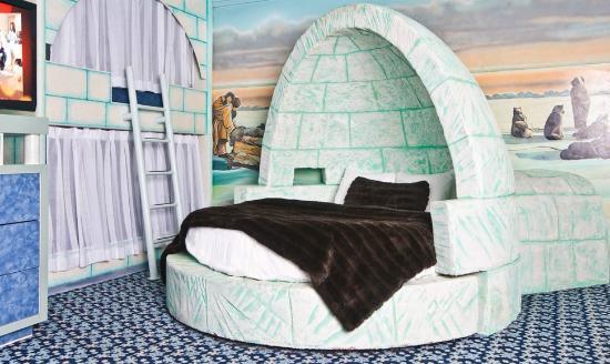 Fantasyland Hotel & Resort: Igloo Luxury Theme Room