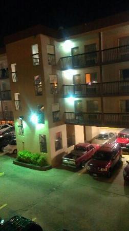 صنديال إن: Sundial Motel 