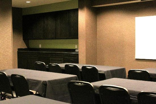 Best Western Plus Arlington North Hotel & Suites: Meeting Room