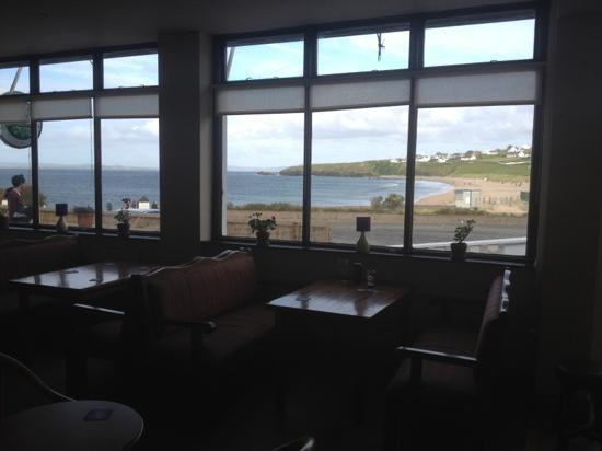 Strand Hotel : Table for eight by the window...