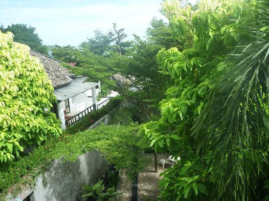 Punnpreeda Beach Resort: view from balcony
