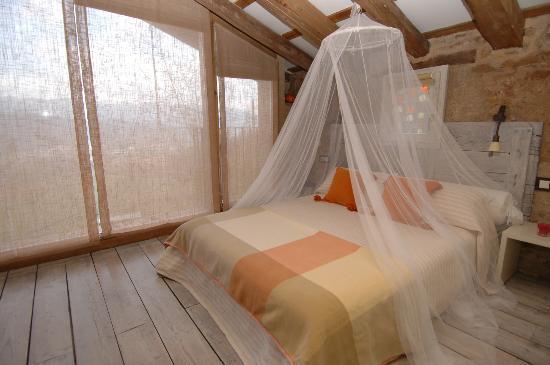 Mas el Guitart: habitación suite del agua