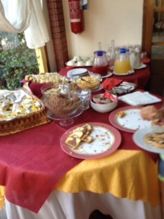 Hotel La Cima Trasimena: ricca colazione