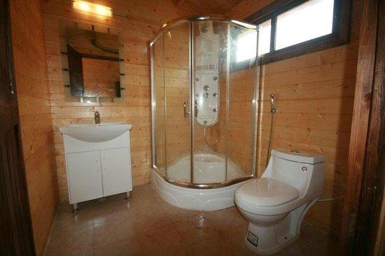The Fern Gardenia Resort: The_Fern_Gardenia_Bathroom