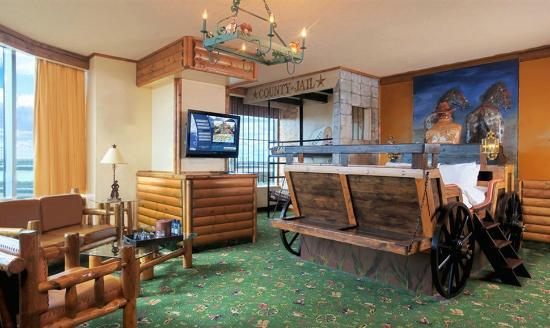 Fantasyland Hotel Resort Western Luxury Theme Suite