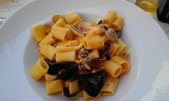 Trattoria dei Cartari : Paccheri with mussels and clams