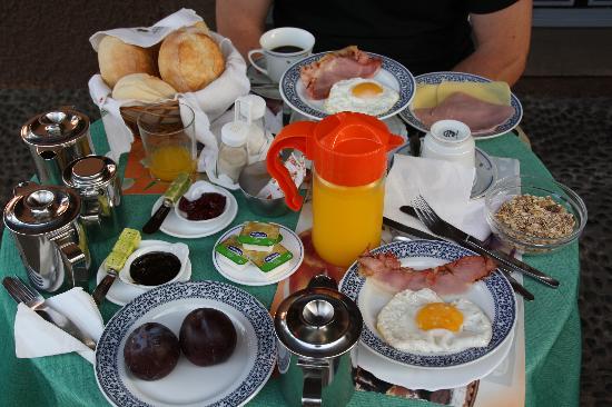 Casa Caseiro: le petit dejeuner