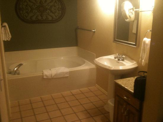 Wyndham Branson at The Meadows: Bathroom