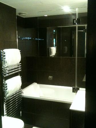 Les Jardins de la Villa & Spa: bagno