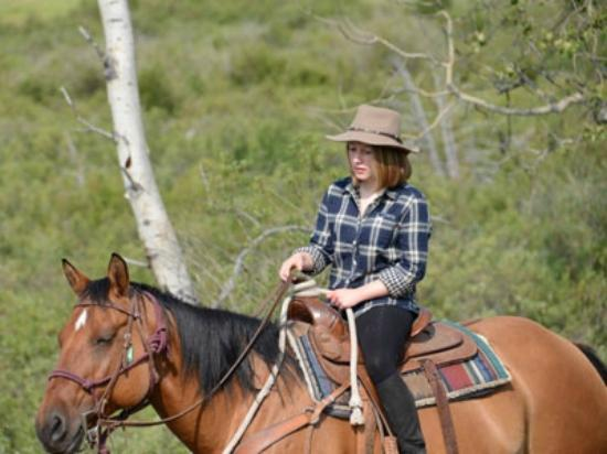 Elkin Creek Guest Ranch: Daughter learns to be a cowgirl