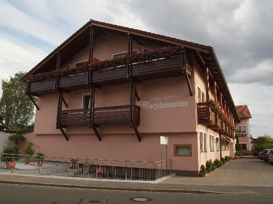 Hotel-Gasthof Vierjahreszeiten: Das Hotel