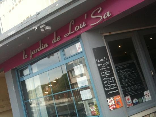 Le Jardin de Lou'Sa : A quirky oasis in an otherwise uninspiring town!