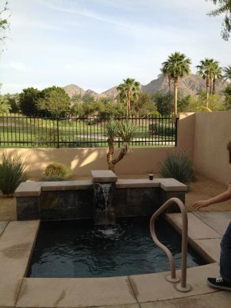 Hyatt Regency Indian Wells Resort & Spa: Privates Jacuzzi der Pool Villa