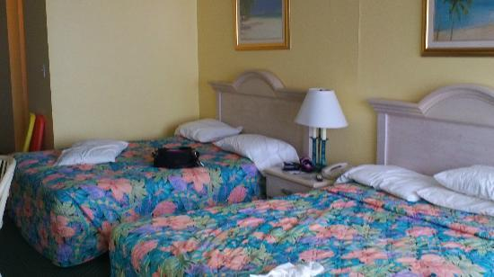 El Caribe Resort and Conference Center: clean, comfy beds